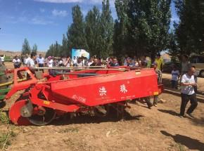 赞!4U-170B收获机在内蒙古获得用户高度认可